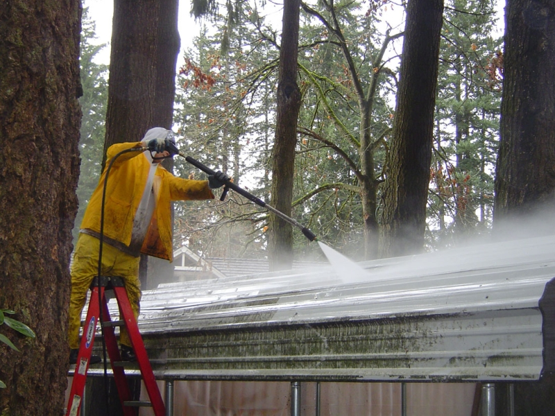 pressure wash tile roof