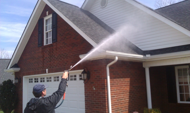 average price to pressure wash a house